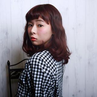 ピンク レッド パーマ かわいい ヘアスタイルや髪型の写真・画像