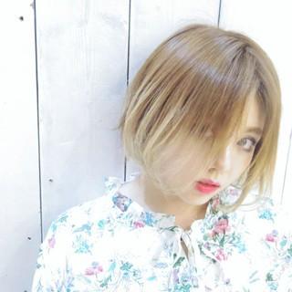ボブ ショートボブ グラデーションカラー ハイトーン ヘアスタイルや髪型の写真・画像