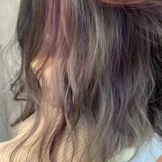 セミロング ストリート インナーカラー グレージュ ヘアスタイルや髪型の写真・画像