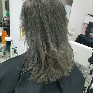 イルミナカラー アッシュ 外国人風 ミディアム ヘアスタイルや髪型の写真・画像