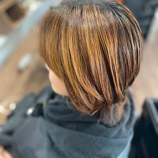 ボブ フェミニン ローライト 大人ハイライト ヘアスタイルや髪型の写真・画像
