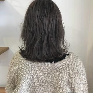 ロブ 切りっぱなし ハイライト 外ハネ ヘアスタイルや髪型の写真・画像