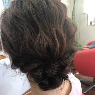 フェミニン ミディアム 結婚式ヘアアレンジ ヘアセット ヘアスタイルや髪型の写真・画像