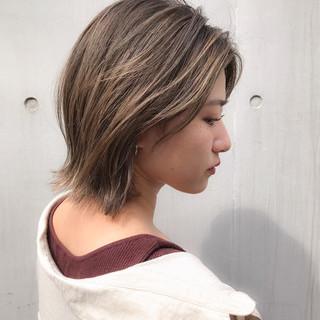 大人ハイライト コンサバ ブリーチオンカラー ミディアム ヘアスタイルや髪型の写真・画像