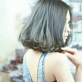 外国人風 大人かわいい 暗髪 ハイライト ヘアスタイルや髪型の写真・画像