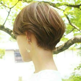 ショート イルミナカラー こなれ感 ツーブロック ヘアスタイルや髪型の写真・画像