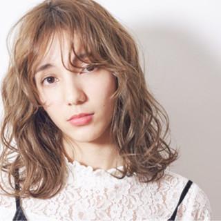 ミディアム モテ髪 外国人風 パーマ ヘアスタイルや髪型の写真・画像