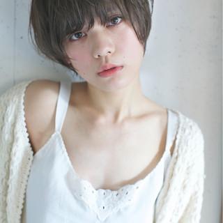 外国人風 アッシュ ショート ハイライト ヘアスタイルや髪型の写真・画像
