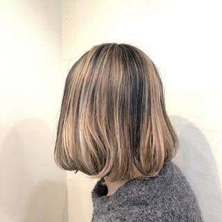 ベージュ ボブ バレイヤージュ ナチュラル ヘアスタイルや髪型の写真・画像