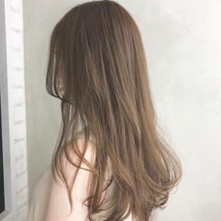 外国人風カラー ハイトーン 秋 ミルクティーベージュ ヘアスタイルや髪型の写真・画像
