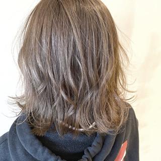 バレイヤージュ 西海岸風 ボブ デート ヘアスタイルや髪型の写真・画像