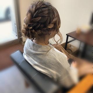 セミロング 編み込み ヘアアレンジ フェミニン ヘアスタイルや髪型の写真・画像