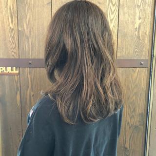 ベージュ セミロング ナチュラル マット ヘアスタイルや髪型の写真・画像