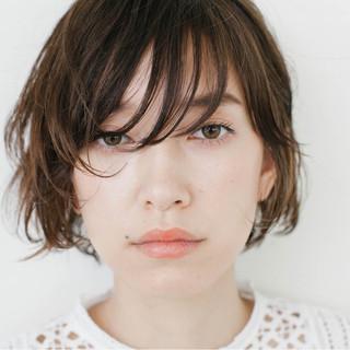 パーマ 抜け感 ウェットヘア 外国人風 ヘアスタイルや髪型の写真・画像