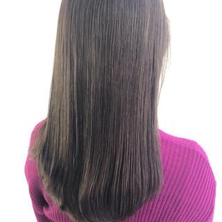 ミルクティーベージュ ベージュ ナチュラル ロング ヘアスタイルや髪型の写真・画像