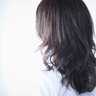 ロング ナチュラル ネイビー ネイビーアッシュ ヘアスタイルや髪型の写真・画像