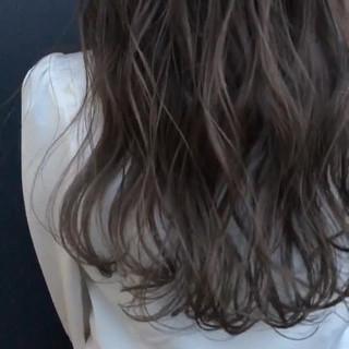 イルミナカラー アッシュ グラデーションカラー アッシュグレージュ ヘアスタイルや髪型の写真・画像