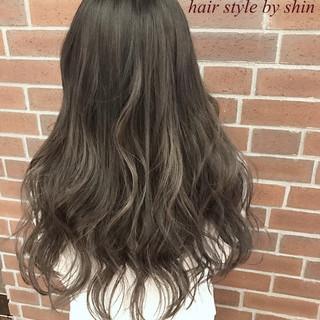 デート パーマ ハイライト ロング ヘアスタイルや髪型の写真・画像