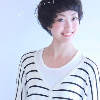 ナチュラル ショート 小顔ショート マッシュショート ヘアスタイルや髪型の写真・画像