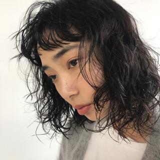 前髪パーマ ナチュラル パーマ ミディアム ヘアスタイルや髪型の写真・画像