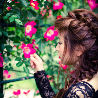 簡単ヘアアレンジ ロング 外国人風 フェミニン ヘアスタイルや髪型の写真・画像 ヘアスタイルや髪型の写真・画像