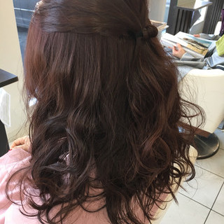 外国人風 セミロング 暗髪 ヘアアレンジ ヘアスタイルや髪型の写真・画像 ヘアスタイルや髪型の写真・画像