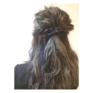 ヘアアレンジ ハーフアップ ストリート 外国人風 ヘアスタイルや髪型の写真・画像 ヘアスタイルや髪型の写真・画像