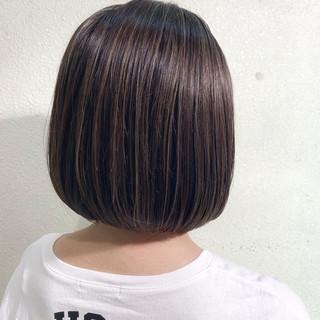 まとまるボブ ボブ ハイライト 大人ハイライト ヘアスタイルや髪型の写真・画像