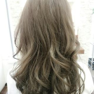 大人かわいい フェミニン ハイライト 外国人風 ヘアスタイルや髪型の写真・画像