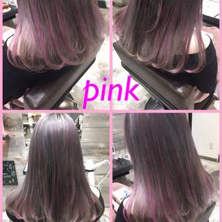 ピンクアッシュ ハイライト ピンク セミロング ヘアスタイルや髪型の写真・画像