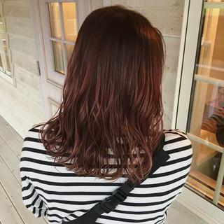 ピンクベージュ ピンクカラー 暖色 フェミニン ヘアスタイルや髪型の写真・画像