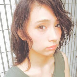 暗髪 大人かわいい ウェットヘア 外国人風 ヘアスタイルや髪型の写真・画像 ヘアスタイルや髪型の写真・画像