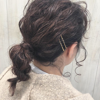 ヘアアレンジ ナチュラル アンニュイほつれヘア ミディアム ヘアスタイルや髪型の写真・画像