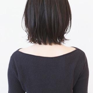 切りっぱなしボブ ナチュラルウルフ アッシュ 黒髪 ヘアスタイルや髪型の写真・画像