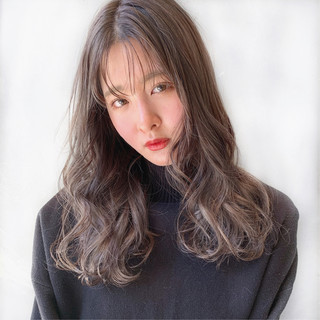 ナチュラル アンニュイほつれヘア ロング 透明感カラー ヘアスタイルや髪型の写真・画像