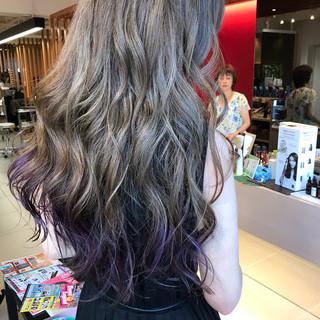 ロング ストリート シルバーグレイ 裾カラー ヘアスタイルや髪型の写真・画像