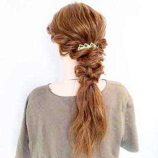 三つ編み エレガント 謝恩会 ヘアアレンジ ヘアスタイルや髪型の写真・画像