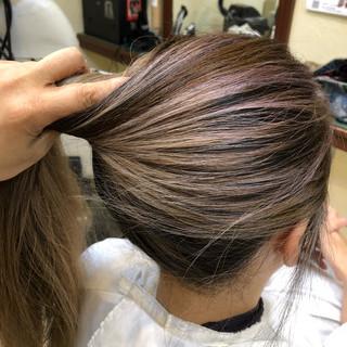 ブリーチカラー 大人ハイライト ロング ストリート ヘアスタイルや髪型の写真・画像