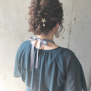 ミディアム 結婚式 ナチュラル アップスタイル ヘアスタイルや髪型の写真・画像