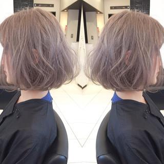 アッシュ ミルクティーベージュ ハイトーン ボブ ヘアスタイルや髪型の写真・画像 ヘアスタイルや髪型の写真・画像