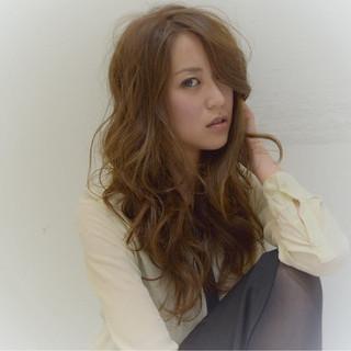 斜め前髪 女子会 色気 ロング ヘアスタイルや髪型の写真・画像