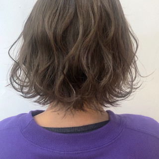 ミニボブ ミルクティーグレージュ ナチュラル ミルクティーベージュ ヘアスタイルや髪型の写真・画像