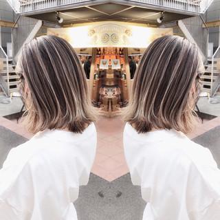 エレガント ミルクティーベージュ ボブ ピンクベージュ ヘアスタイルや髪型の写真・画像