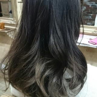 外国人風 セミロング 大人かわいい グラデーションカラー ヘアスタイルや髪型の写真・画像