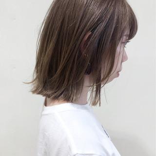 ブリーチオンカラー ブリーチ フェミニン 透明感 ヘアスタイルや髪型の写真・画像