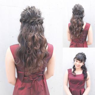お呼ばれ ロング 黒髪 ハーフアップ ヘアスタイルや髪型の写真・画像