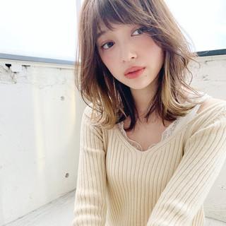 ひし形シルエット フェミニン インナーカラー 外はね ヘアスタイルや髪型の写真・画像