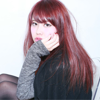 セミロング ストレート レッド 外国人風 ヘアスタイルや髪型の写真・画像