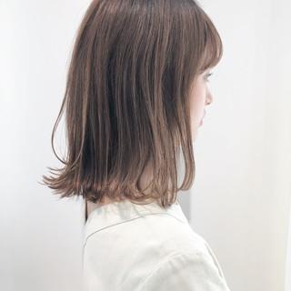 フェミニン 簡単ヘアアレンジ セミロング 切りっぱなしボブ ヘアスタイルや髪型の写真・画像
