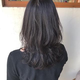 ミディアム ナチュラル 暗髪女子 切りっぱなしボブ ヘアスタイルや髪型の写真・画像